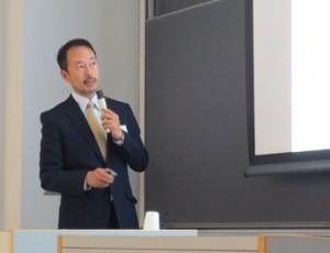 講演される森田先生